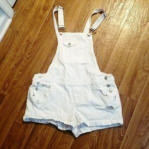 L.E.I. white overall shorts large